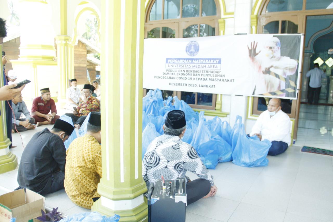Santunan Kaum Dhuafa di Kota Langkat Bersama BKM At-Taqwa UMA